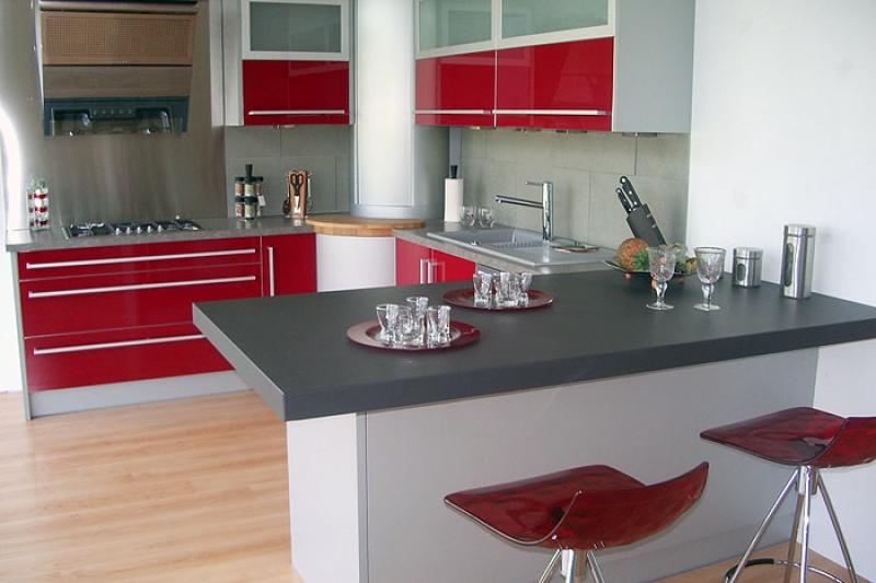 Amr ma tre b niste - Petite table de cuisine design ...